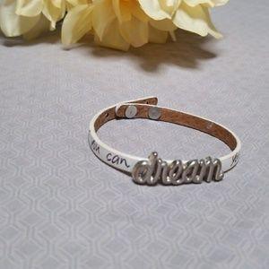 Jewelry - Dream motivational quote bracelet